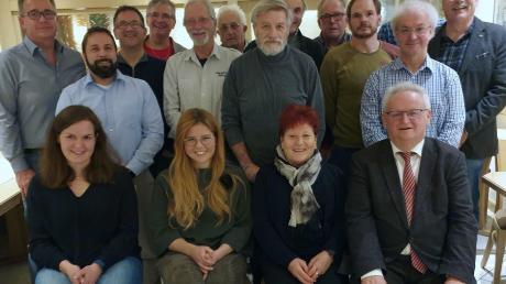 Die Kandidaten der SPD Wemding für den Stadtrat – gerade Mal ein Fünftel der Bewerber sind weiblich. Auf einen eigenen Kandidaten für das Rathaus wurde verzichtet.