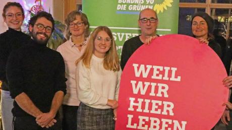Die Kandidaten (von links): Katrin Fuchs, Marco Seitz, Maria Fischer-Niebler, Julia Minnich, Harald Häring undMartina Götz. Nicht im Bild:Adrian Grebien und Anna Haselmayr.