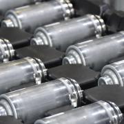 Millionen von Elektromotoren und Pumpen für die Automobilindustrie stellen die Mitarbeiter im Werk der Bühler Motor Gruppe in Monheim her. Nun laufen die Geschäfte deutlich schlechter und zahlreichen Mitarbeitern droht der Verlust ihres Jobs.