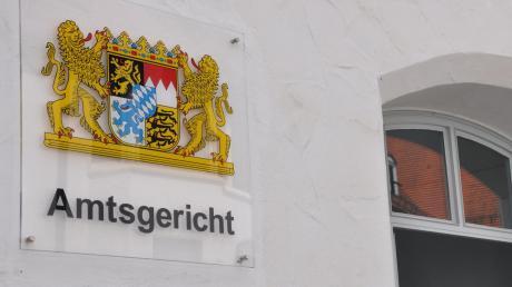 Der Fall eines geworfenen Glases wurde vor dem Amstgericht Nördlingen verhandelt.