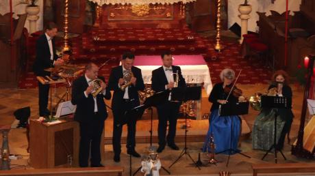 Festliche Musik bescherten in der Kirche St. Martin das Nördlinger Bachtrompeten Ensemble und musikalische Freunde.