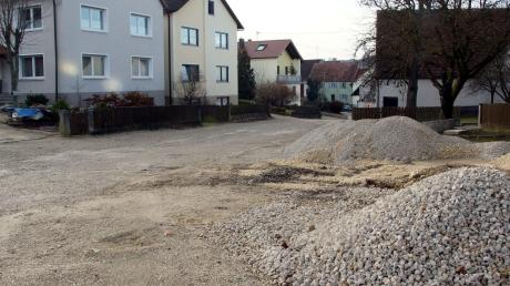 Die Mündlinger Straße in Huisheim soll im kommenden Jahr neu ausgebaut werden. Neue Kanal- und Trinkwasserleitungen sind bereits verlegt.
