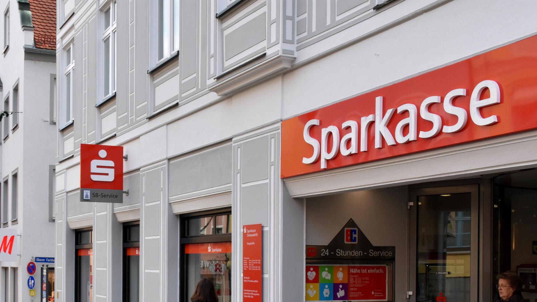 Hin und Her bei der Fusion der Sparkassen | Donauwörther