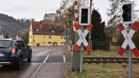 Der Bahnübergang in der Mündlinger Straße in Harburg.