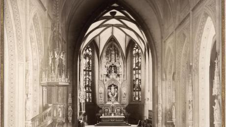 Die Neugotisierung der Stadtpfarrkirche wurde von Scheipl bezahlt.