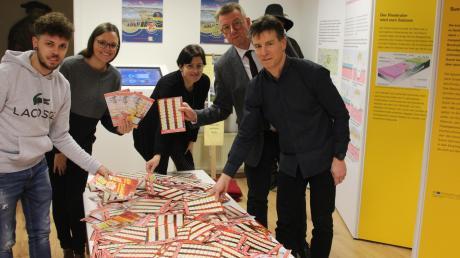 Sie zogen aus knapp 3400 Coupons die Gewinner: (von links) Marco Pattermann, Judith Strohhofer, Annette Letsch, Max Engelhardt und Klaus Fischer.