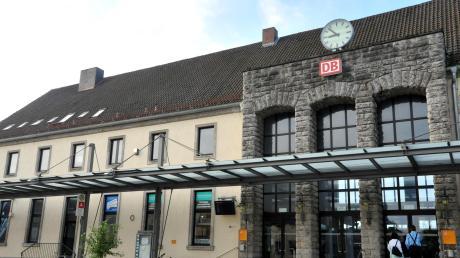 Am Bahnhof Donauwörth hat es einen Familienstreit gegeben.