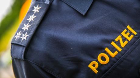 Die Polizei sucht nach einer Fahrerflucht im nördlichen Landkreis nach Zeugen.