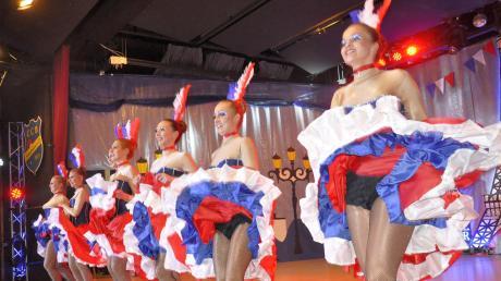 """""""Moulin Rouge"""" in Bäumenheim: Nach Frankreich laden die Schlafmützen in dieser Session ein. Da darf der Can-Can nicht fehlen."""
