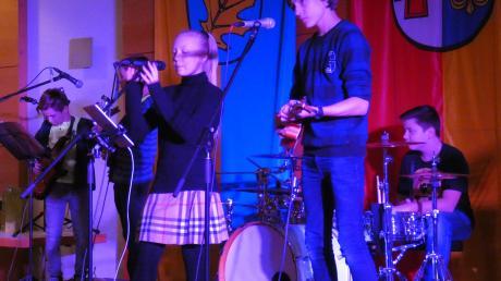 """Mit jugendlichem Schwung umrahmte die junge Aystetter Band """"Kids Club Seven"""" den Neujahrsempfang"""
