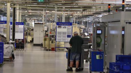 Drastische Maßnahme bei der Firma Bühler Motor in Monheim: In den kommenden Monaten müssen insgesamt bis zu 44 Mitarbeiter der Stammbelegschaft gehen.