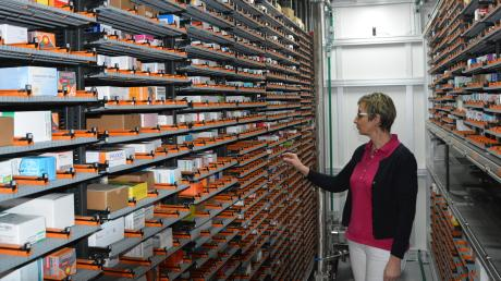 Tausende Arzneimittel lagern in der Maximilium-Apotheke Donauwörth. Dennoch herrscht auch hier ein Mangel an bestimmten Medikamenten, wie Chefin Ute Offinger bestätigt.