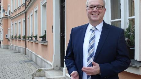 Der 54-jährige Karl Rehm will Verantwortung übernehmen und Ideen realisieren. Er tritt für PWG, FW und die Wählervereinigung Rainer Stadtteile an.
