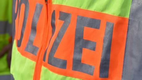 Die Polizei meldet einen Glätteunfall, der sich nahe Flotzheim ereignet hat.
