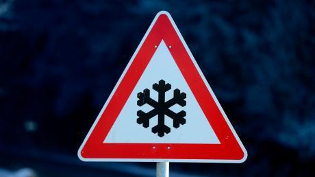 Ein Unfall aufgrund von Schneeglätte hatsich bei Kettershausen ereignet.