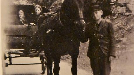 1944/45 war Johann Fackler als Postkutscher tätig.