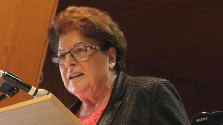 Die frühere bayerischen Landtagspräsidentin Barbara Stamm sprach beim Seniorennachmittag der CSU Harburg in Ebermergen.