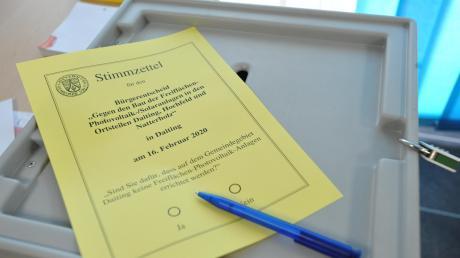 So sah der Stimmzettel aus, den im Laufe des Sonntags 454 Daitinger ausgefüllt haben.