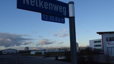 Im Gewerbegebiet in Rain nördlich der Neuburger Straße liegt in der Kurve des Nelkenwegs ein freies Grundstück, das die Stadt dem Ditib-Verein zum Bau einer Moschee anbietet.