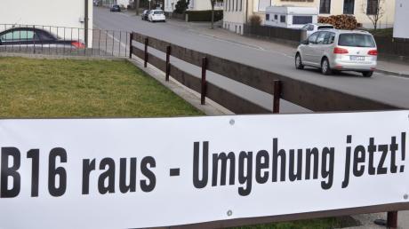 Seit Jahren und Jahrzehnten fordern die Anlieger der B16, die mitten durch Tapfheim führt, eine Ortsumgehungsstraße.