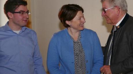 Besuch von Thomas Goppel (rechts), hier mit Claudia Marb und Manuel Paula.
