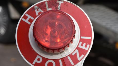 Die Polizei hat in Wemding einen Mofafahrer gestoppt.