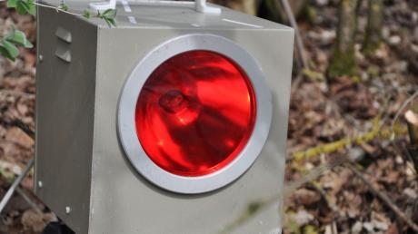 """Bei einigen Verkehrsteilnehmern auf der B16 bei Bäumenheim hat es am Sonntag """"geblitzt"""". Die Polizei hatte eine Messstelle aufgebaut."""