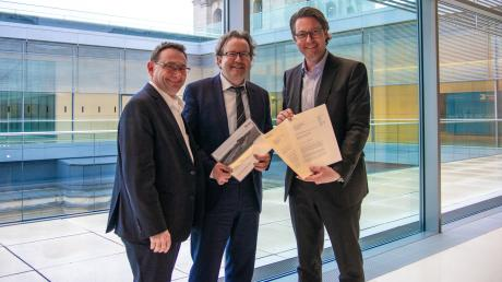 Beim Treffen von MdB Ulrich Lange (links), dem OB Armin Neudert (Mitte) und Bundesverkehrsminister Andreas Scheuer in Berlin.