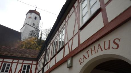 Das Rathaus in Harburg: Am Sonntag wird geklärt, wer hier als neuer Bürgermeister einzieht.