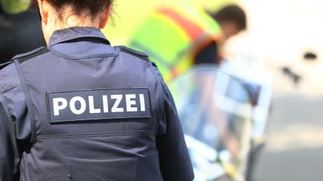 Auf Corona-Streifenfahrt hat die Polizei nicht nur Verstöße gegen das Infektionsschutzgesetz festgestellt. Symbolbild