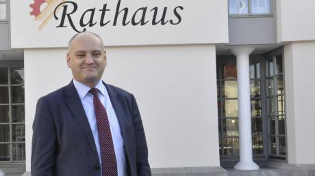 Bleibt Bürgermeister in Bäumenheim: Martin Paninka (SPD) . Sein Vorsprung auf Herausforderer Bernhard Jung (CSU) war denkbar knapp: 13 Stimmen.