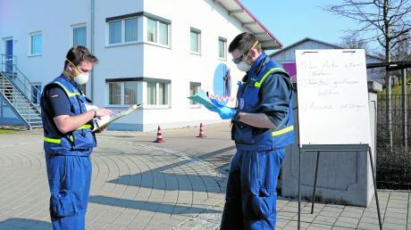 Das THW aus Donauwörth unterstützte die Arbeit im Testzentrum in Monheim.