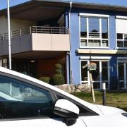 Die Zahl der Todesfälle, die wohl mit dem Coronavirus zusammenhängen, ist im Seniorenheim der Diakonie in Harburg auf elf gestiegen.