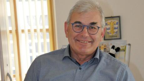 Eine schöne Erinnerung an die Partnerschaft mit Costermano: Nach 18 Jahren räumt Oberndorfs Bürgermeister Hubert Eberle den Schreibtisch.