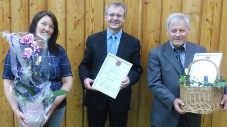 Abschied aus dem Gemeinderat: (von links) Andrea Rupprecht, Bürgermeister Werner Siebert und Robert Frank.