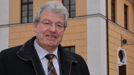 Drei Jahrzehnte lang war Georg Vellinger Bürgermeister der Gemeinde Buchdorf. In dieser Zeit wuchs die Kommune stark. Das Bild zeigt Vellinger im Jahr 2014.