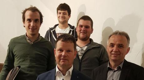 Im Wolferstädter Rat: (vorne, von links) Philipp Schlapak und Markus Deffner; (hinten, von links) Tobias Wiedenmann, Daniel Kraus und Tim Herz.