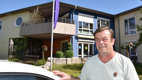 Nach dem Corona-Schock wieder zuversichtlich: Michael Kupke, Leiter des Diakonie-Pflegeheims in Harburg. Dort kam es zu einer Serie von Todesfällen. In der Einrichtung infizierten sich zahlreiche Bewohner und Mitarbeiterinnen mit dem Coronavirus.