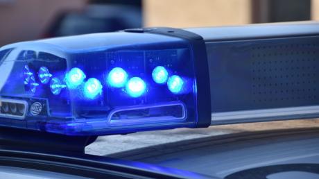Die Polizei  meldet zwei Unfälle auf der B2 in Kissing.