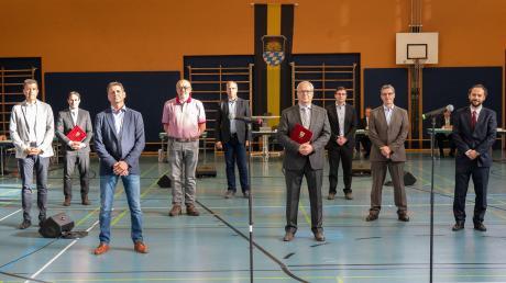 Die neu Gewählten im Rainer Stadtrat nach ihrer Vereidigung in der konstituierenden Sitzung (von links): Joachim Düsing (PWG), Egbert Wenninger (PWG), Martin Strobl (WVRST), Peter Schmid (PWG), Stefan Degmayr (FW), Johannes Schachaneder (WVRST), Bürgermeister Karl Rehm (PWG), Manuel Paula (CSU), Anton Reiter (CSU), Dritter Bürgermeister Daniel König (SPD) und Christian Martin (SPD).