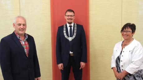 Münsters neuer Bürgermeister Jürgen Raab (Mitte) mit seinen Stellvertretern Peter Werner und Brigitte Englisch.