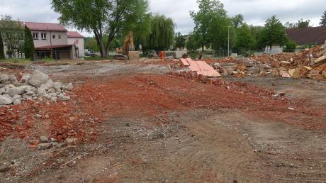 Die alte Turnhalle in Monheim ist jetzt abgerissen worden.