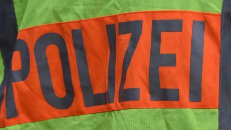 Die Polizei meldet einen Unfall von der B2 bei Langenaltheim