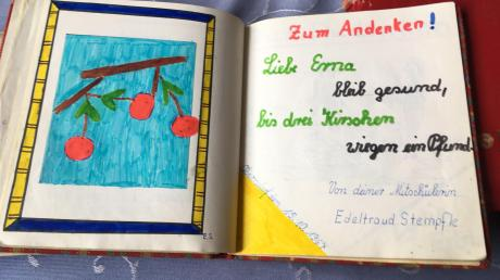 """""""Bleib gesund, bis drei Kirschen wiegen ein Pfund"""", schrieb Edeltraud Stempfle für ihre Freundin Erna Dirschinger."""