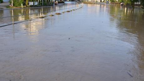 Nach starkem Regen verwandelte sich die kleine Ussel am 19. Juni in einen reißenden Strom.
