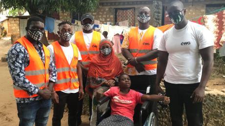 Die Helfer von Foood4Kenya unterstützen hungernde Menschen im afrikanischen Land Kenia.