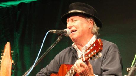 Reiner Panitz ist einer der Musiker des Trios Rossignol.