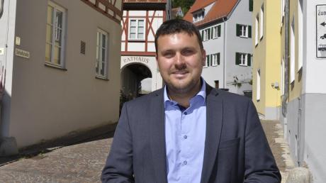 Christoph Schmidt ist seit Mai der neue Bürgermeister in Harburg. Der momentan jüngste Rathauschef im Donau-Ries-Kreis hat seit seinem Amtsantritt alle Hände voll zu tun.
