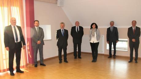 Bei der Feierstunde: (von links) Leonhard Schwab, Michael Böck, Klaus Bleymayr, Kurt Klebl, Claudia Forster, Franz Wagner und Roland Dietz.