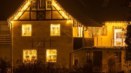 Geschmackvoller Lichterzauber an den verschiedenen Häusern in Harburg lädt zum adventlichen Spaziergang ein. Über die schönste Dekoration wird abgestimmt. Doch es gibt für jedermann einiges zu entdecken.
